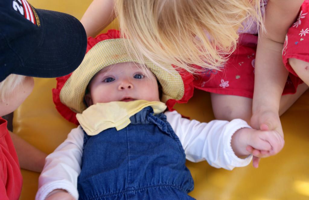 skydda bebis från sol