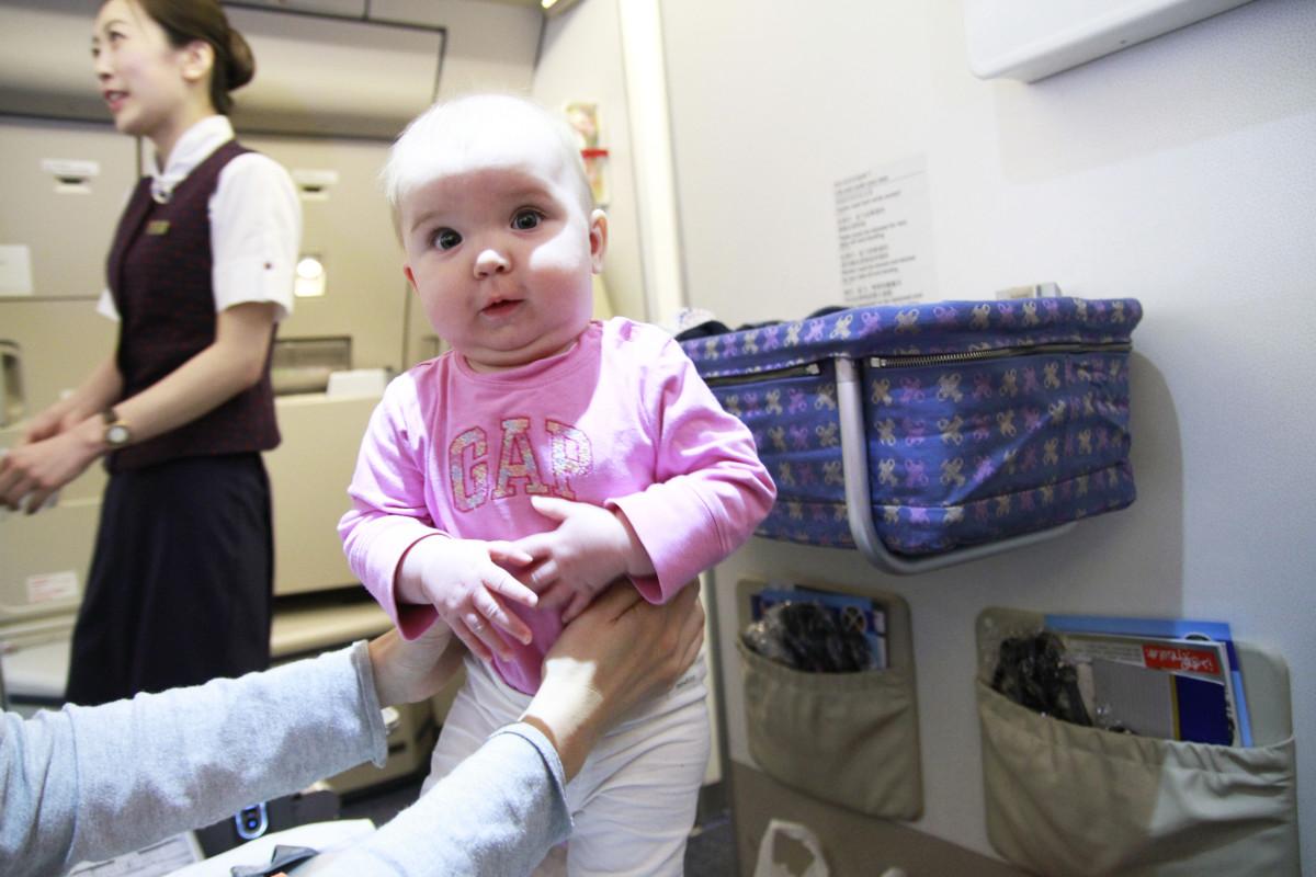 flyga med en bebis
