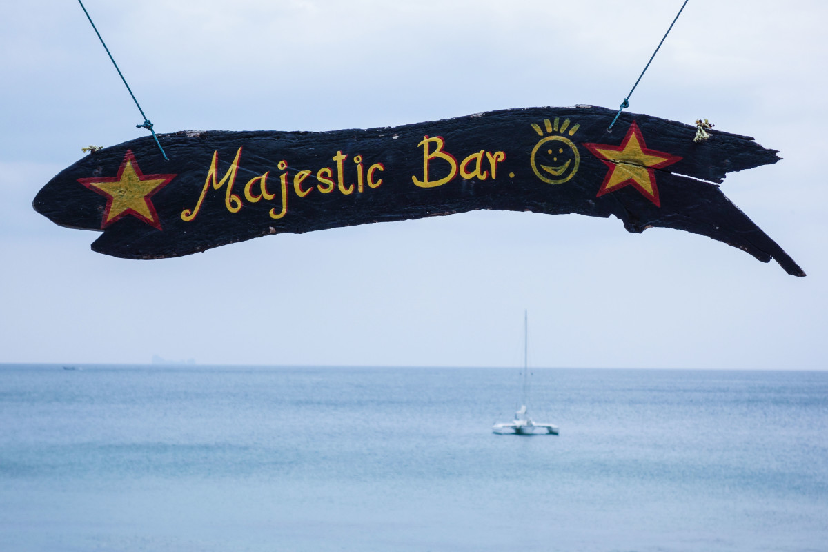 Majestic_bar