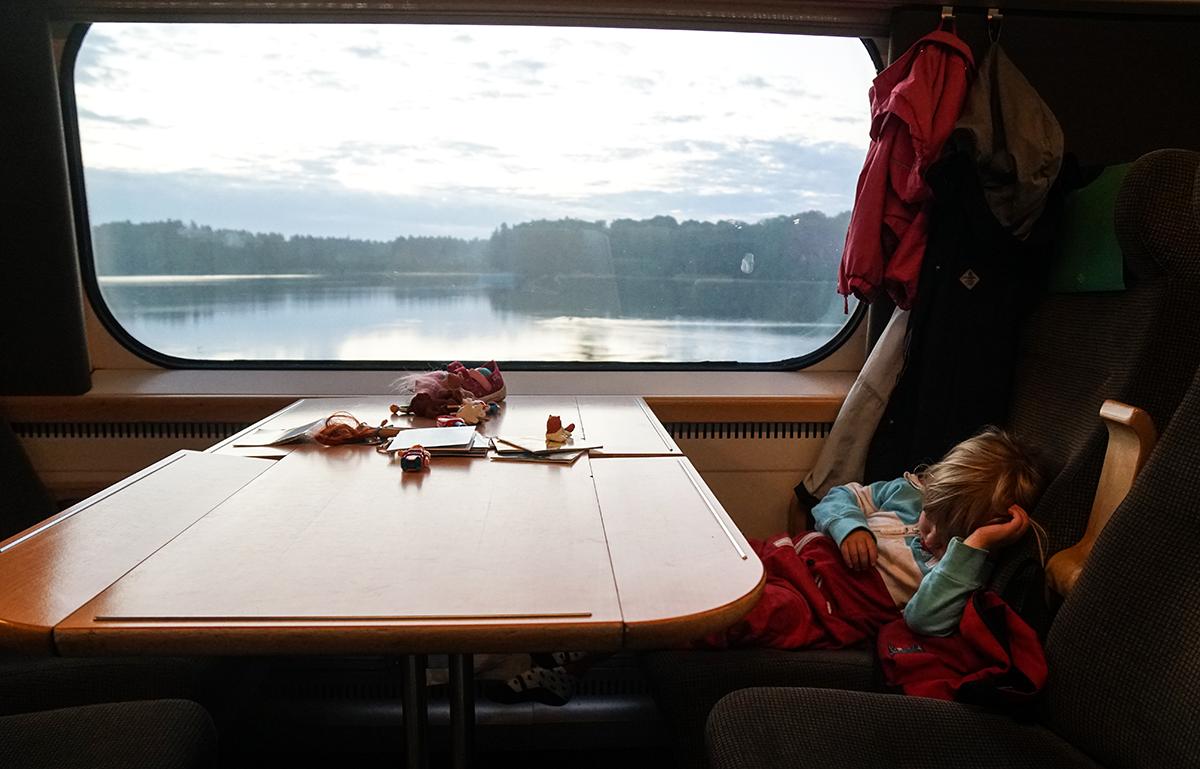 åka tåg med barn