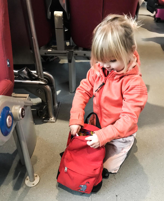 nelly åker tåg