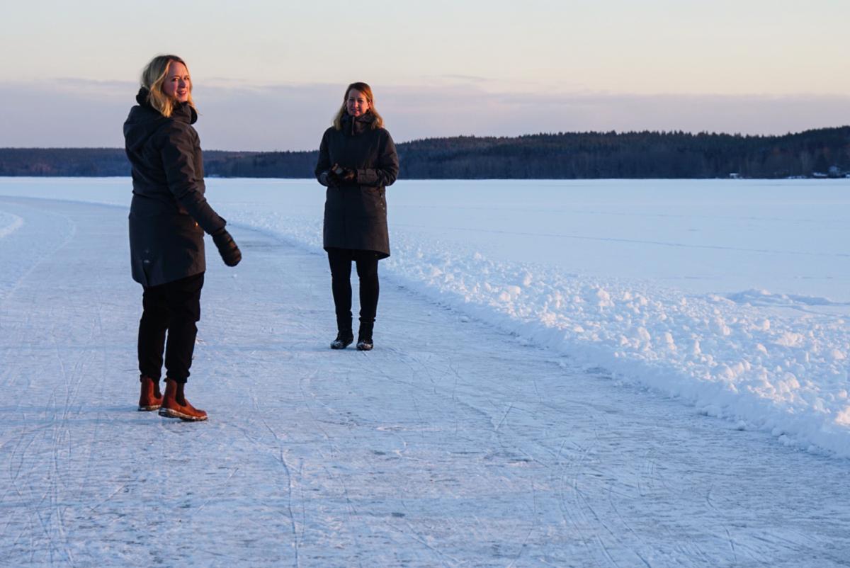 att resa-podden Lisa och Annika
