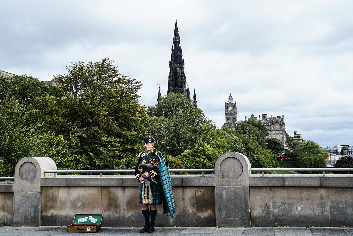 resa till Edinburgh