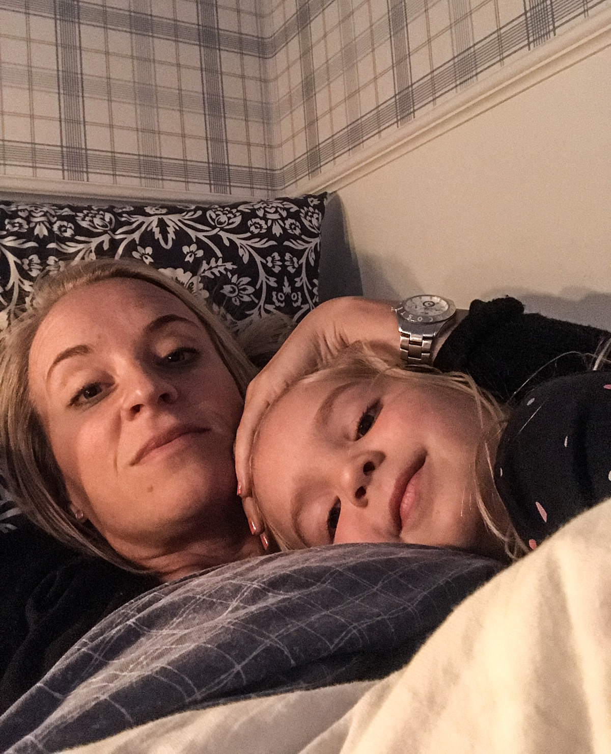 nelly och mamma sturkö
