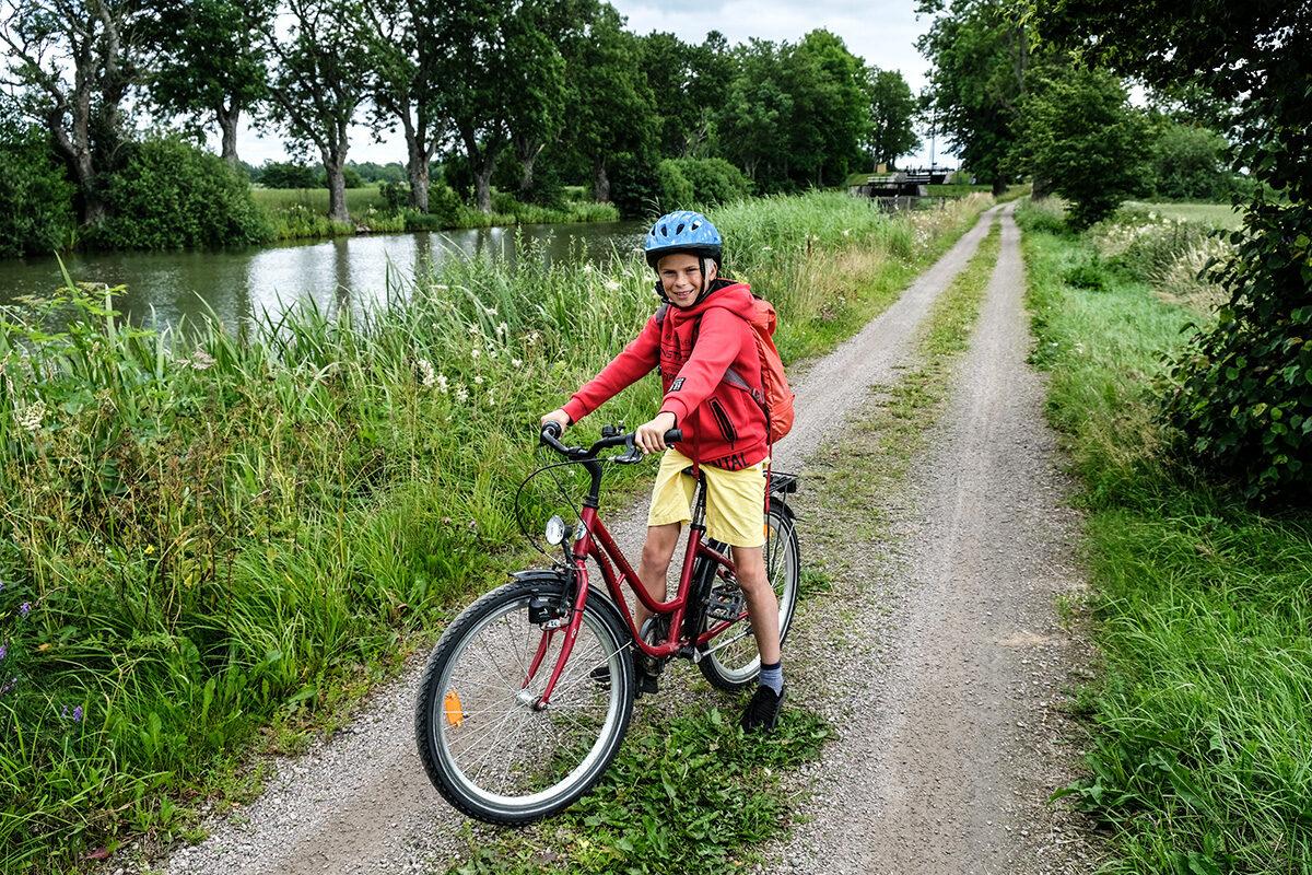 cykla längs göta kanal med barn1