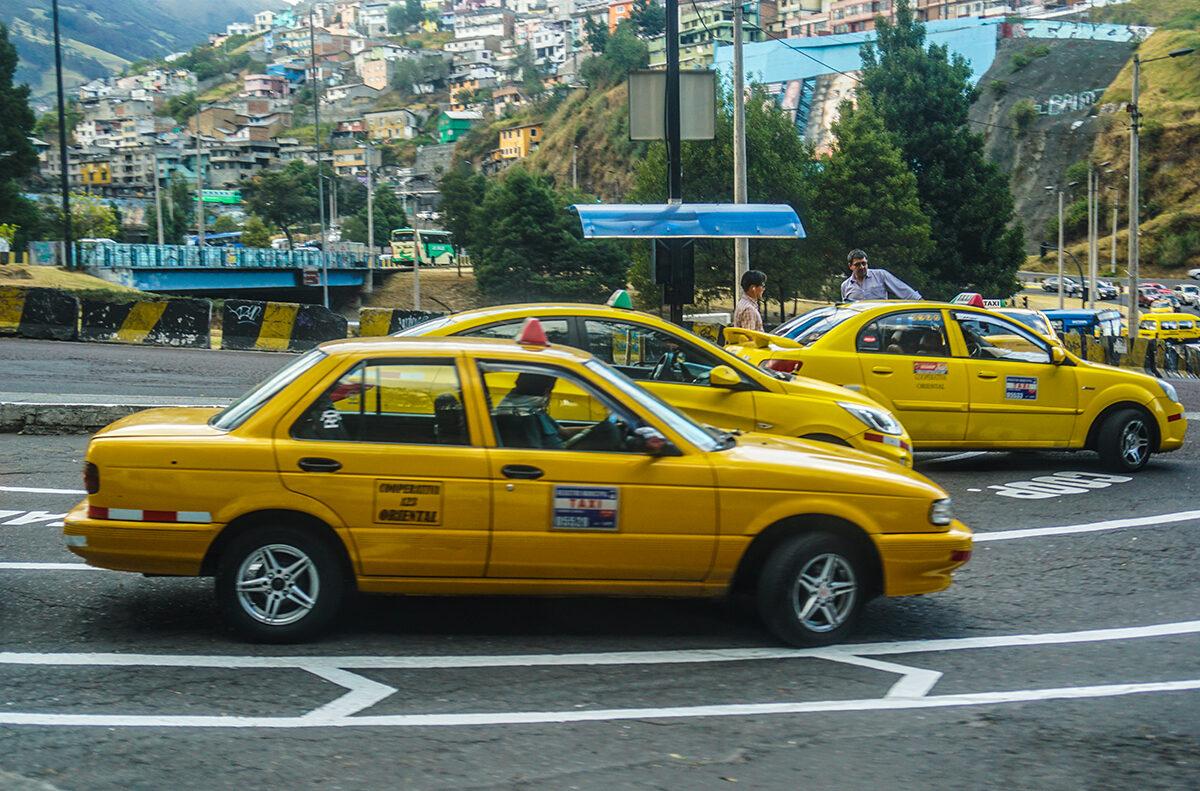 quito trafico taxi
