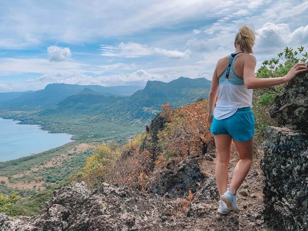 hiking le morne